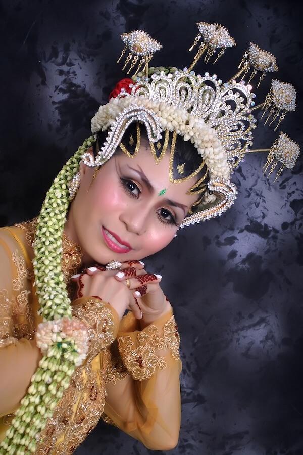 Traditional Javanese Woman